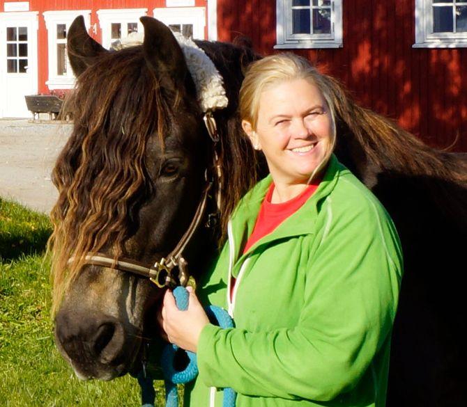 Inger Cecilie Grønnerød er styrer Skogkanten dyr- og naturbarnehage i Halden.