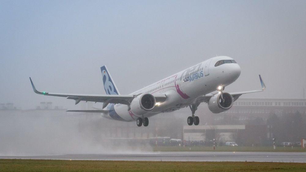 Det første A321LR-flyet fløy for første gang fra Airbus-fabrikken i Hamburg onsdag 31. januar. MSN7877 er utstyrt med CFM Leap-1A-motorer.