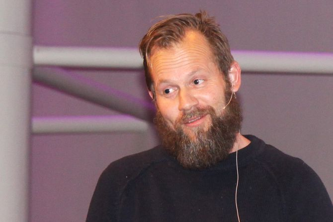 Barnebokforfatter og pedagogisk leder i Ragnas Hage, Sondre Harvik Bjaberg.