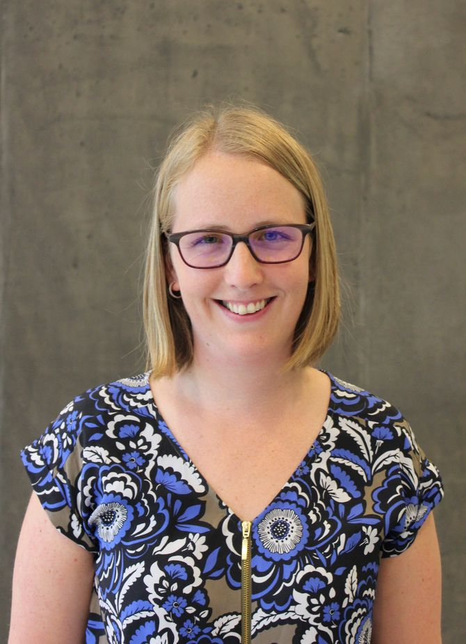 Anne Grethe Sønsthagen er høgskolelektor i pedagogikk ved Høgskulen i Sogn og Fjordane og har flerkulturalitet i barnehagen som spesialfelt.