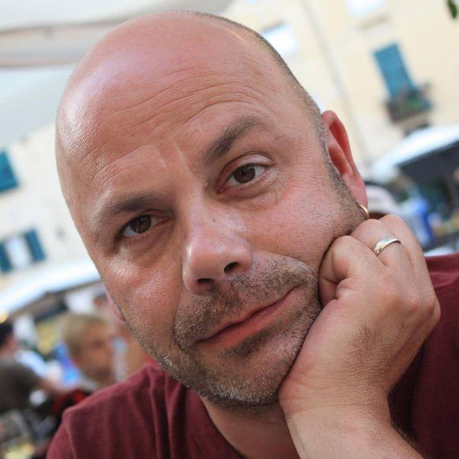 Glenn Kringlebotten er barnehagelærer og foredragsholder. Han jobber til daglig som mottaksleder ved Stord Mottakssenter.