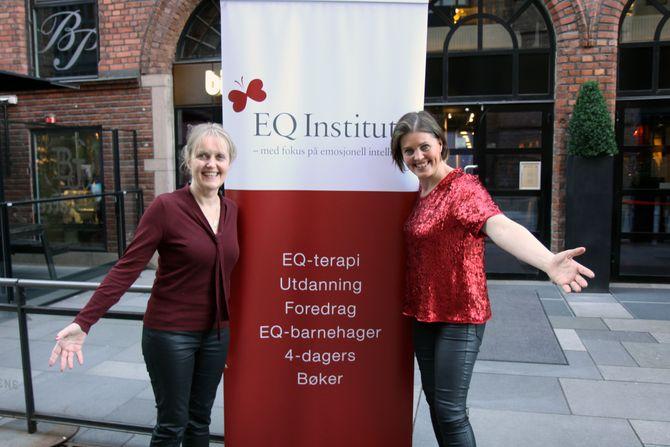 Herdis Palsdottir (venstre) og datteren Dora Thorhallsdottir grunnla EQ Institue sammen i 2006. Palsdottir er utdannet barnehagelærer, spesialpedagog og familieterapeut, og har blant annet skrevet boken «Relasjoner med barn» og er medforfatter til barnebokserien om «Maya».