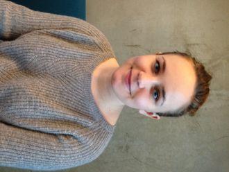 Silje Neraas jobber i norskseksjonen ved Dronning Mauds Minne høgskole.