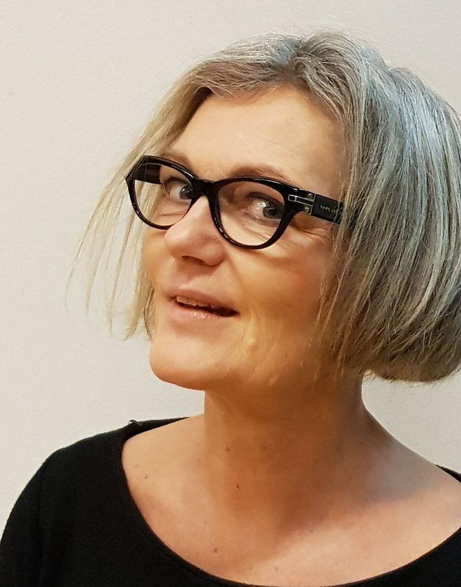 Tone Stangeland er førstelektor i drama ved Høgskulen på Vestlandet, Bergen, og underviser på master i barnehagekunnskap.