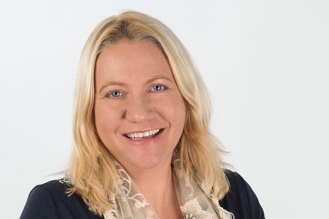 Kristin Holm Jensen er statssekretær i Kommunal- og moderniseringsdepartementet.