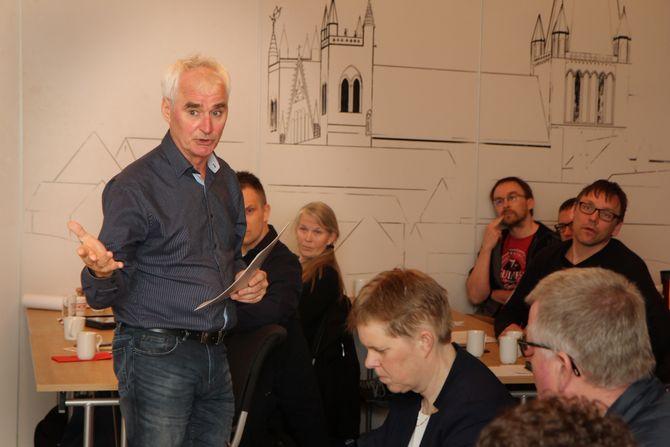 Det var partiet Rødt som tok initiativ til å sette ned foten for nyetableringer av ikke-ideelle private barnehager i Trondheim. Arne Byrkjeflot fra Rødt deltok på frokostmøtet og la fram sitt syn.