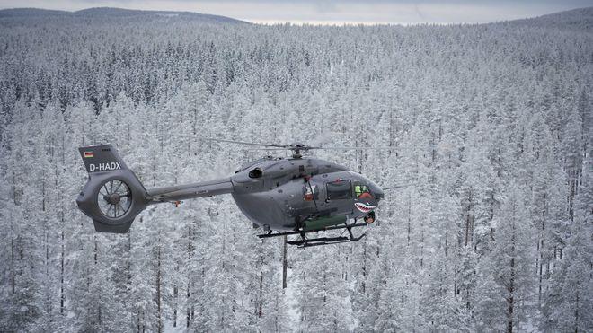 Airbus på tur i de svenske skoger for å teste bevæpning av helikoptrene sine