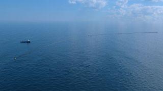 Vurderer å bruke offshorefartøy til å rense havet for plast