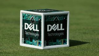 Dell Technologies-sponset tee-markør under en golfturnering i 2017.
