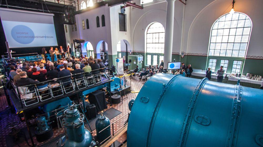 Norsk hydrogensymposium ble arrangert i det gamle vannkraftverket i Tyssedal utenfor Odda.