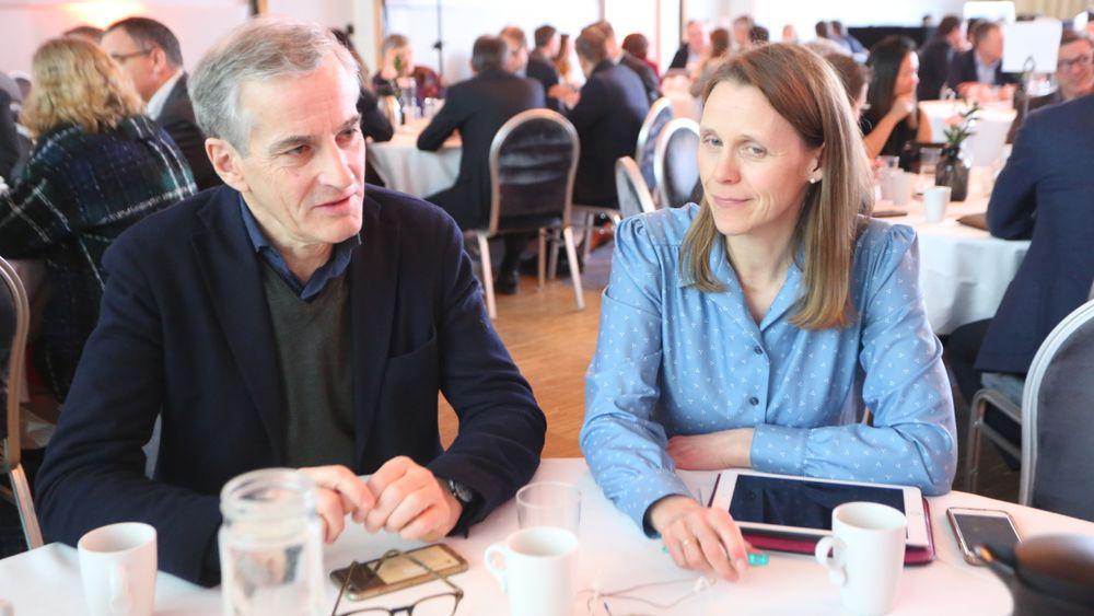 Enige: Ap-leder Jonas Gahr Støre og Tekna-president Lise Lyngsnes Randeberg var enige om at teknologene må få større plass i den politiske debatten om man skal få bedre datasikkerhet.