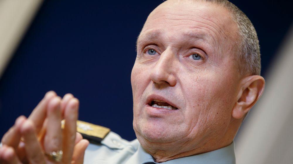 Tidligere etterretningssjef Kjell Grandhagen sier at med sterke satsinger på kampfly, ubåter og maritime patruljefly, etterlater forsvarets langtidsplan store huller i resten av forsvarssystemet.