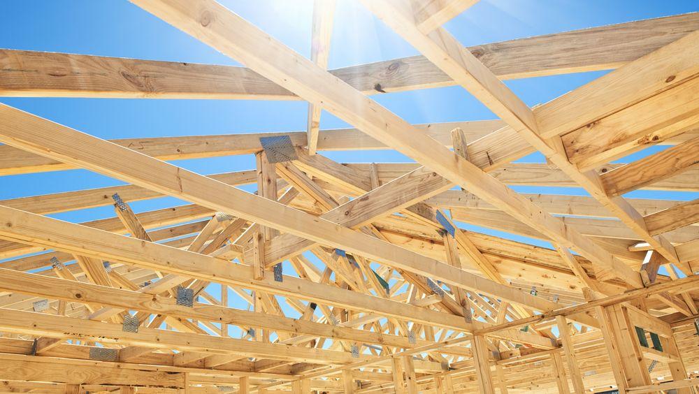 Forskere fra Universitetet i Maryland mener de kan gjøre tre til et sterkere byggemateriale enn stål.