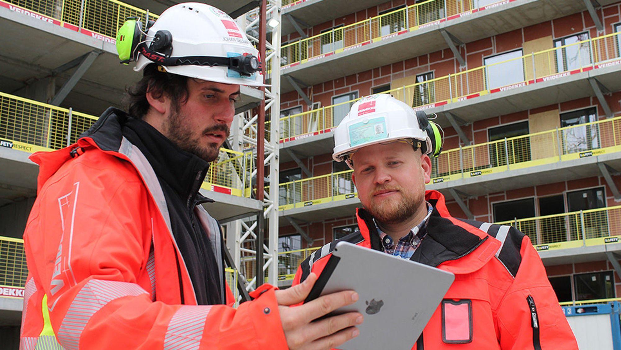 Anleggsleder Rolv Einar Lindseth (t.h.) og BIM-koordinator Johan Selmar.