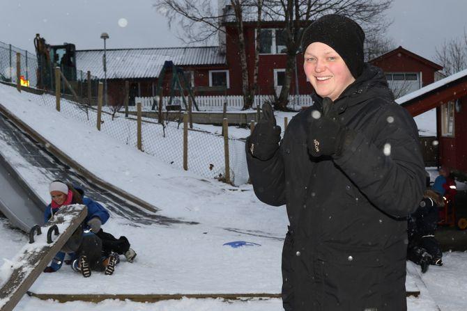 – Eg vil absolutt anbefale andre gutar å velje barnehage, seier Adrian Mulehamn (19).