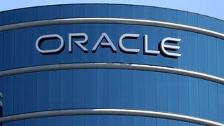 Oracle-logo på Oracles hovedkvarter i Redwood Shores, California. Fotografert 22. juni 2017.