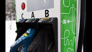 Problemer med elbil-lading over hele landet