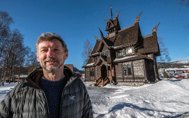 Sportsjournalist blir stavkirkesjef: Kjetil Kroksæter blir daglig leder for Orkangers historiske bygg