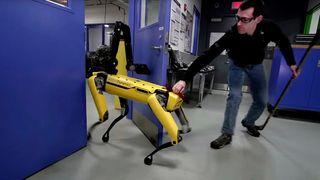 Her forsøker de å stoppe «døråpner-roboten»