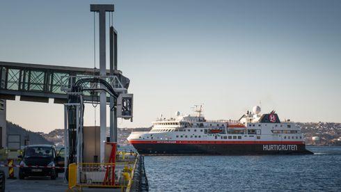 Her kobler Hurtigruten seg på landstrøm for første gang