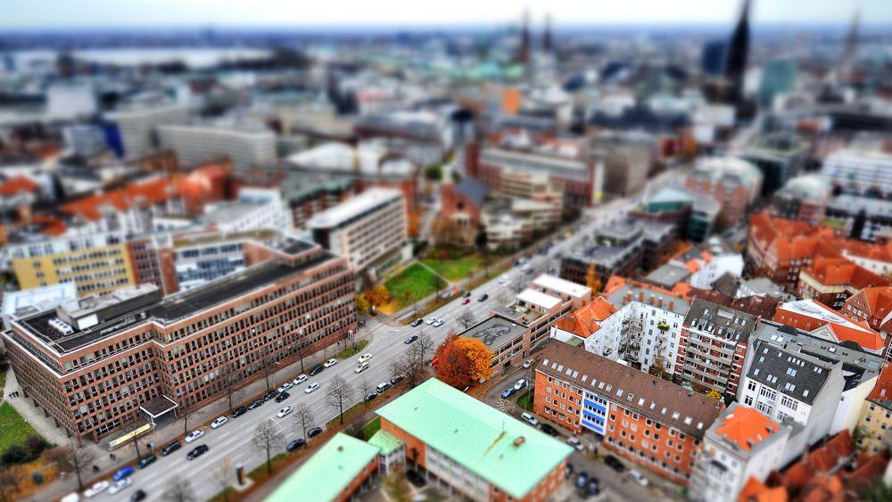 Utsikt over Hamburg. Dieselrestriksjonene i byen blir sannsynligvis de første i Tyskland etter tirsdagens dom.