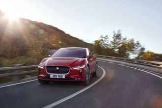Jaguar I-Pace er en kompakt SUV.