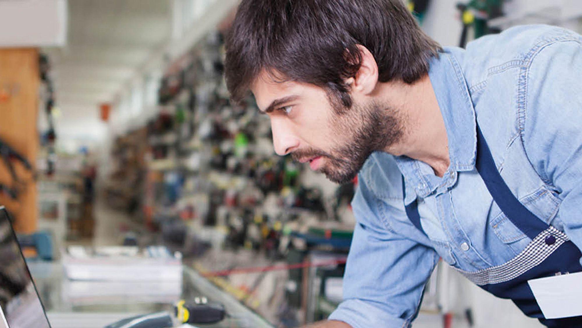 Rotete og uoversiktlig serverrom? Et mikrodatasenter fra APC by Schneider Electric er løsningen.