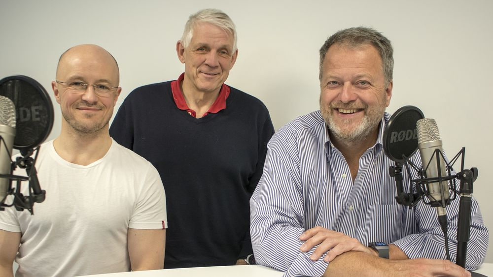 Varog Kervarek, Odd Richard Valmot og Jan M. Moberg i ukens podcast.