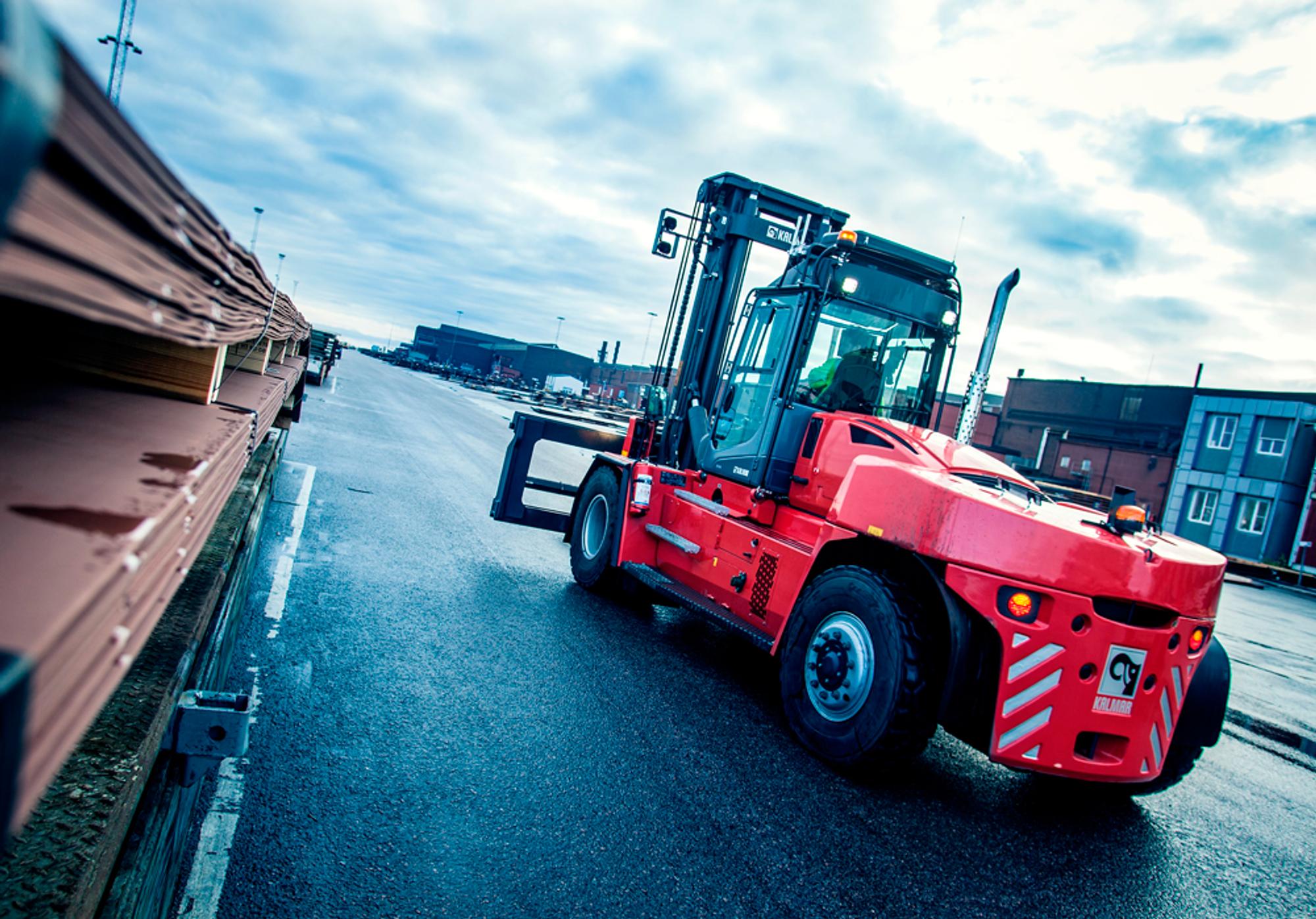 En 14-tonns gaffeltruck fra Kalmar som skal utstyres med brenselceller for drift med hydrogengass. Foto: Kalmar