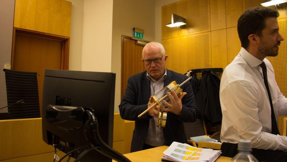 Neodrill-gründer Harald Strand sammen med advokat Kyrre Tangen Andersen (t.h.) i retten i 2018.