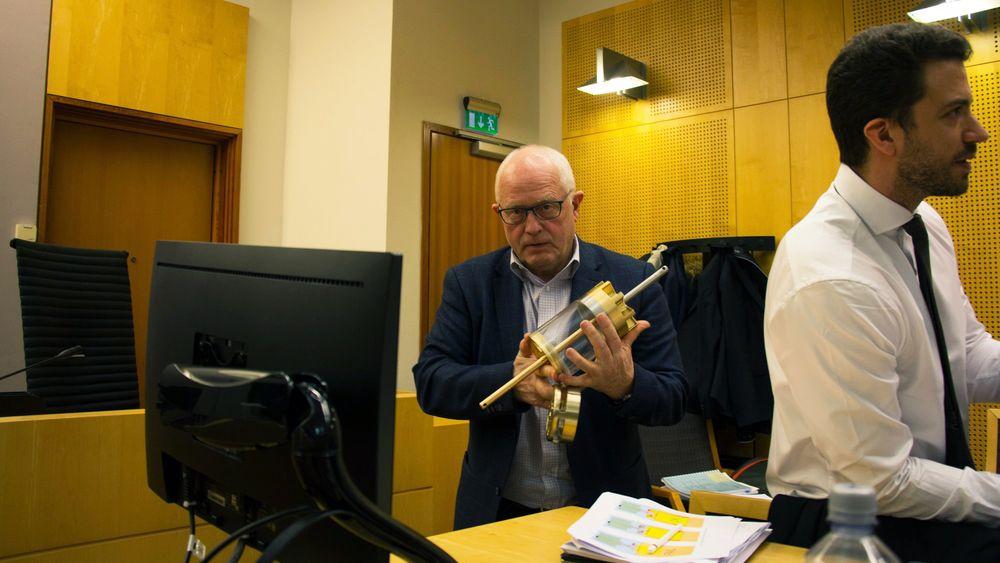 Neodrill-gründer Harald Strand og en av selskapets to advokater, Kyrre Tangen Andersen i Oslo tingrett.