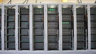 Bitcoin: Anholdt for å ha stjålet 600 datamaskiner fra utvinningssenter