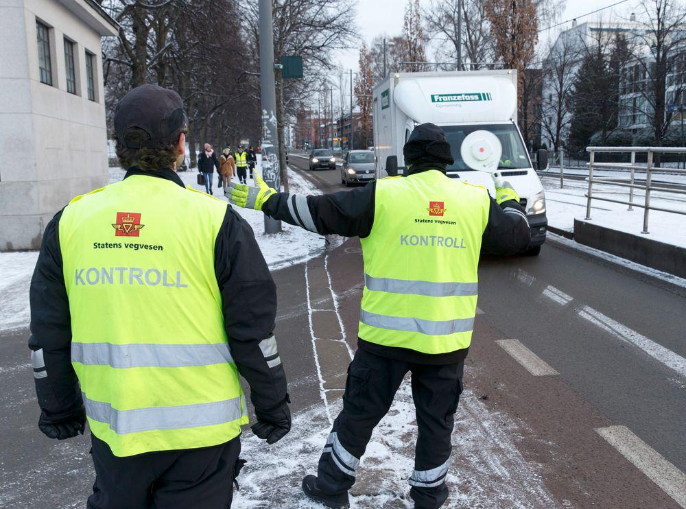 Må skifte arbeidsgiver: Ca. 1650 ansatte i Statens vegvesen, hvorav et flertall ingeniører, må forberede seg på at de blir overflyttet til fylkeskommunene i løpet av neste år.
