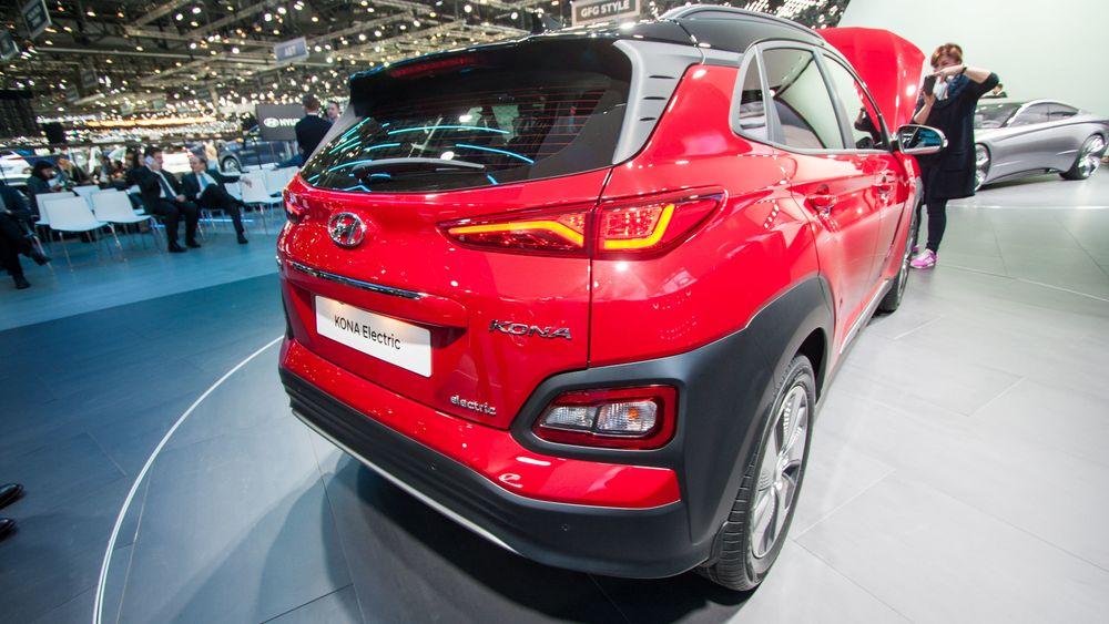 Hyundai Kona utstilt på bilmessen i Geneve.