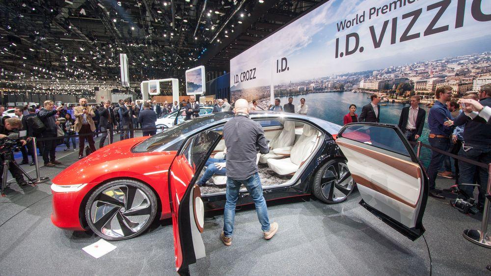 Volkswagen ID Vizzion vist frem i Geneve.