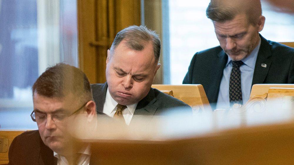 Knut Arild Hareide kunngjør at KrF ikke lenger kan ha tillit til Olemic Thommessen som stortingspresident. Foto: Terje Pedersen / NTB scanpix