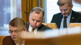 Stortingspresident Thommessen trekker seg etter byggeskandalen