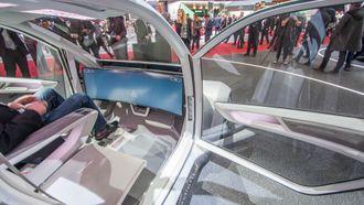 Interiøret er designet rundt en stor skjerm som skal gi deg den informasjonen du trenger.