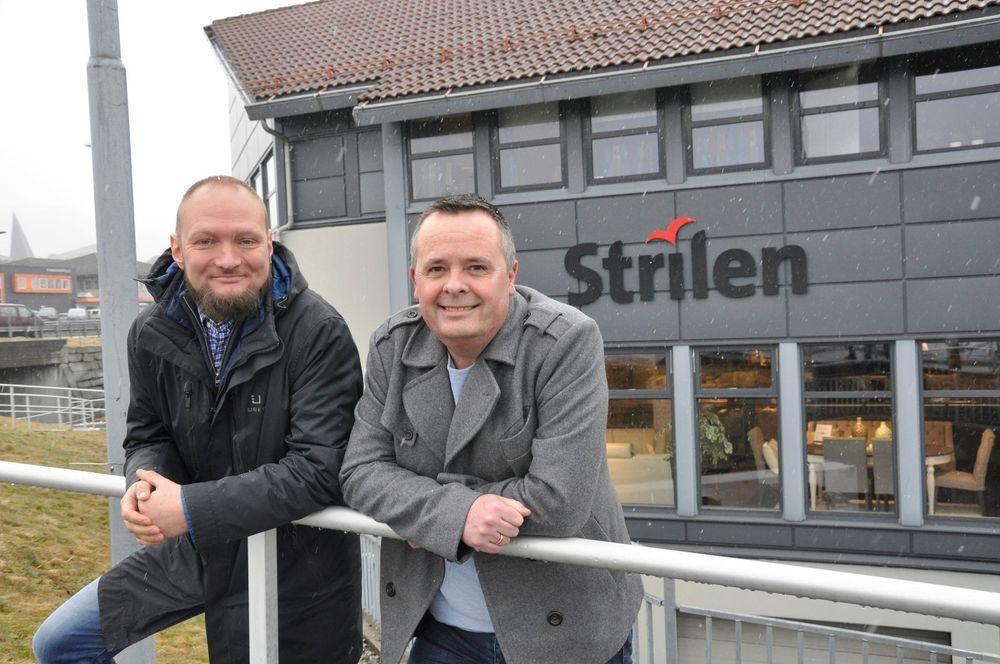 Eirik Langeland Fjeld (t.v.) tar onsdag formelt over som Strilen-redaktør etter Stig Erik Elliott.
