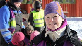 Barnehagedagen i Bodø. Kunstutstilling i fjøsen ved Nordland kultursenter. Sølvi Dahl, pedagogisk leder i Asphaugen barnehage.