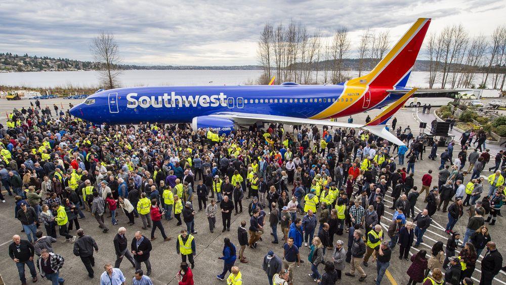 Southwest Airlines tok imot Boeing 737 nummer ti tusen tirsdag. Selskapet som kun flyr med 737  var lanseringskunde på både737-300, 737–500 og 737–700.