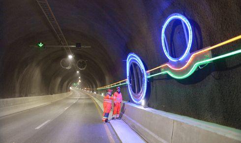 Bilistene ønsker mindre monotone tunneler ved bruk av farger og belysning