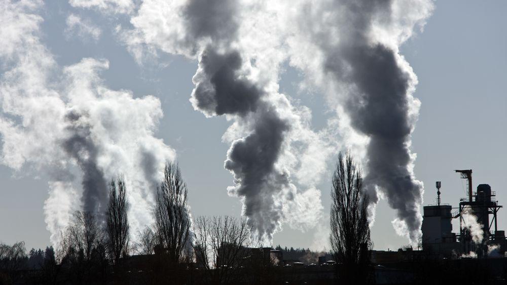 Etter en rask nedgang fram til 2014 stabiliseres nå EUs utslipp av CO2, skriver bidragsyter Øystein Noreng. Illustrasjonsfoto: Colourbox