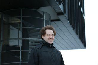 UiO-professor Roman Vitenberg ser en lys framtid for blokkjeder - langt der framme.