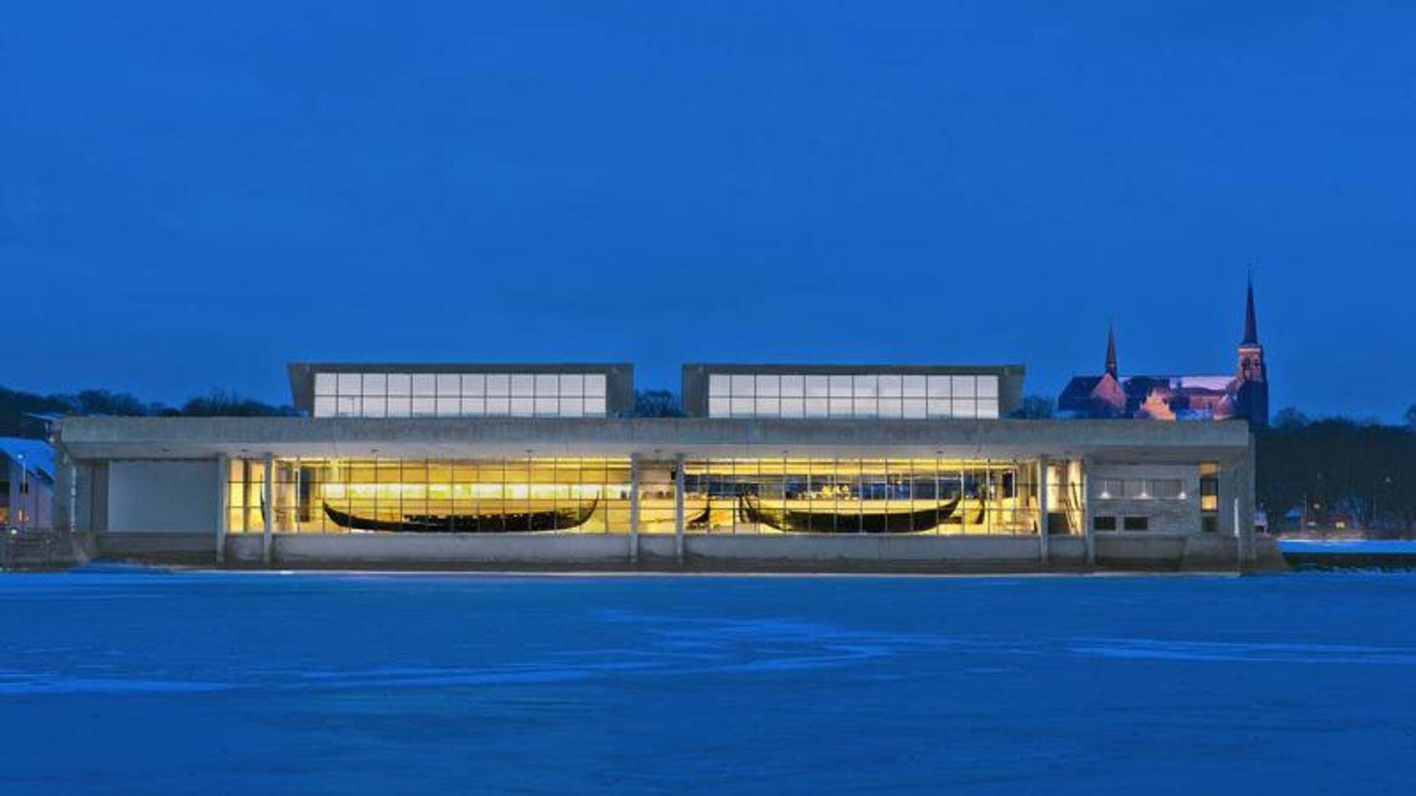 Fire lag asfaltpapp kan avgjøre om det danske vikingskip-museet skal rives eller ikke