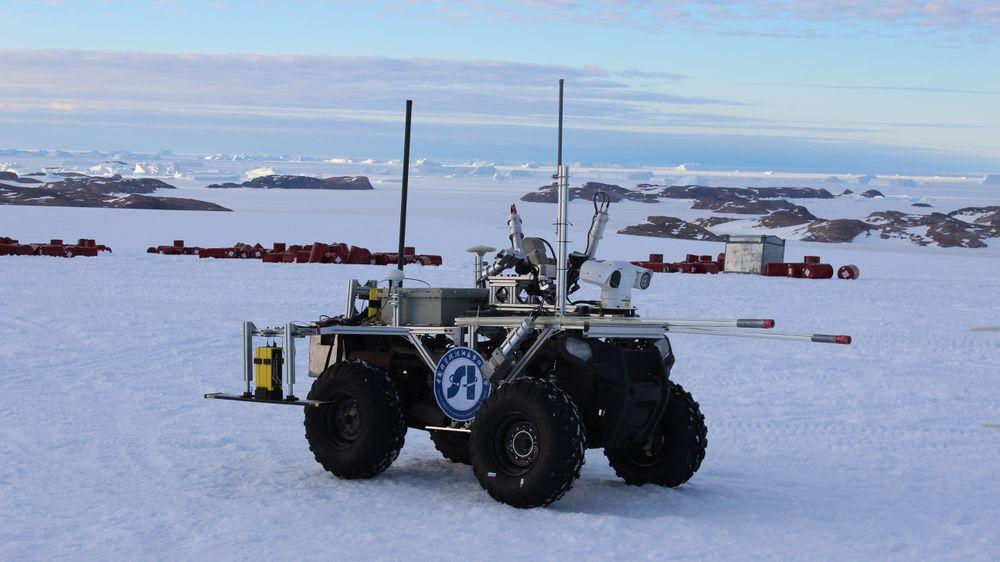 Den kinesisk-utviklede roboten har radar for å oppdage bresprekker.