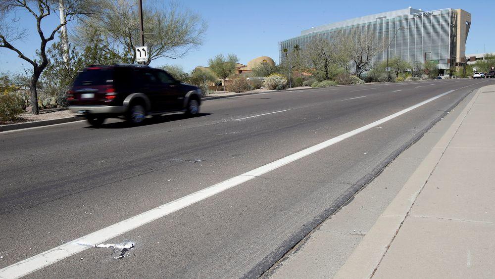 Her, i Tempe i Arizona, ble Elaine Herzberg påkjørt og drept av en selvkjørende bil søndag kveld amerikansk tid.