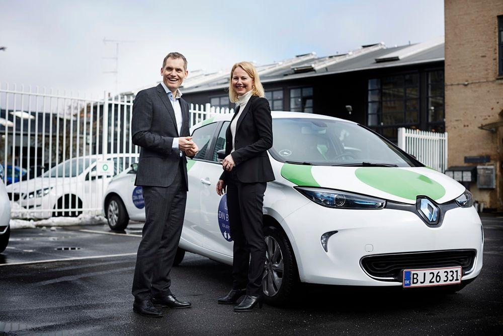 Gode intensjoner:  NSBs konserndirektør mobilitet og strategi, Synne Homble og  adm. direktør i GreenMobility, Torben Andersen signerte å går en intensjonsavtale om å samarbeide om utleie av elbiler i Oslo.