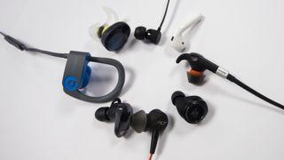 Duger trådløse propper både til musikk og samtaler? Vi har testet åtte modeller