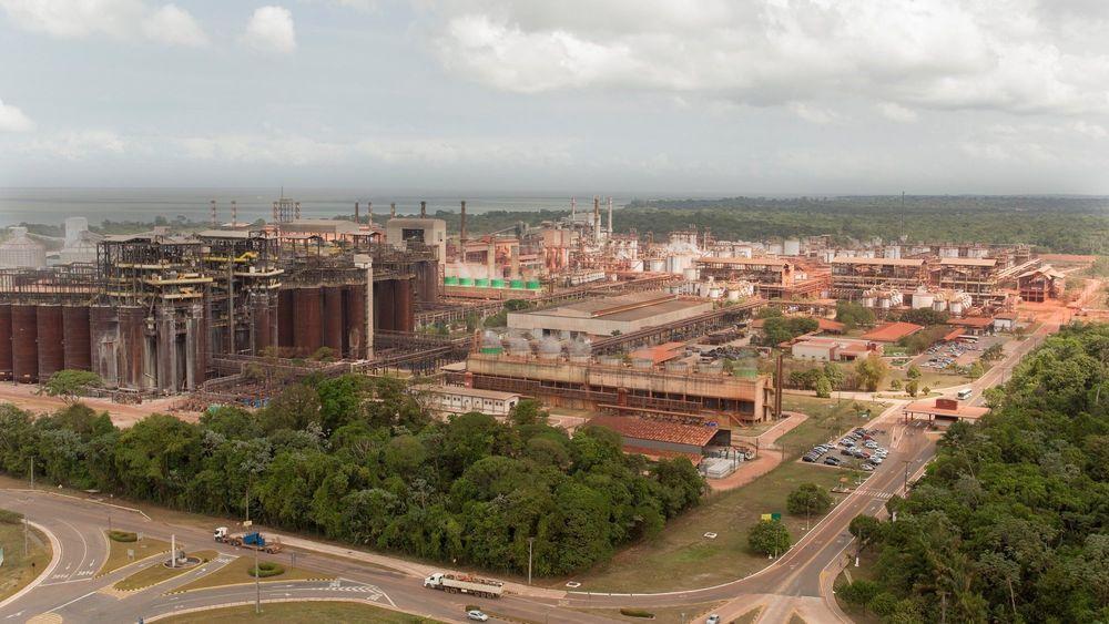 Hydros Alunorte-anlegg i Brasil der bauksitt er grunnlag for aluminaproduksjon.